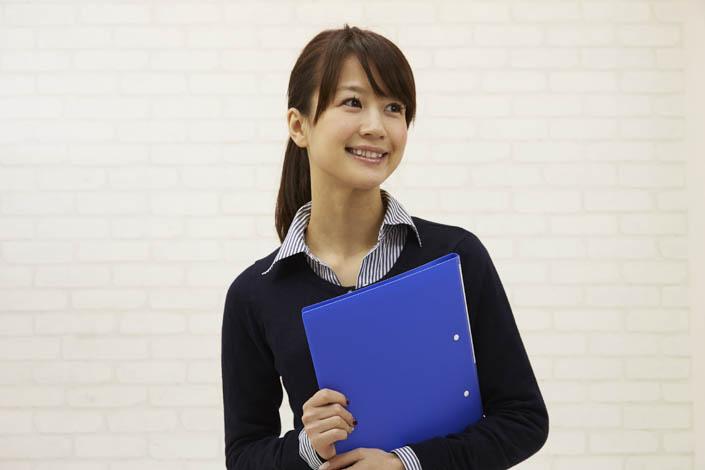 社内報用に社員の笑顔を撮るために