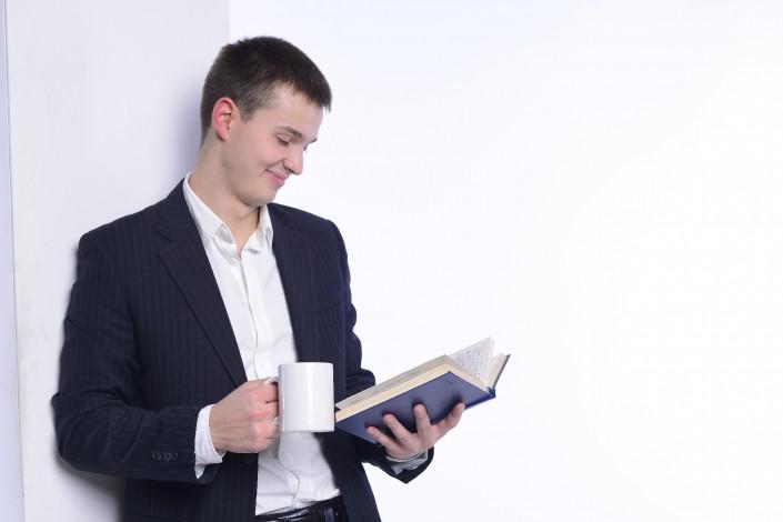 愛読書紹介で、役員やマネージャーの「人と成り」に迫る!